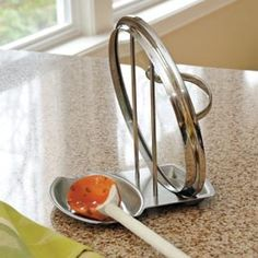 Lid and spoon holder. Ingenious!