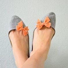 Cute flats w/ bows