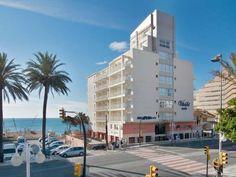 Los hoteles más baratos en Benalmádena, Málaga. relación de los mejores hoteles en la Costa del Sol junto a la playa. Ofertas de hoteles para veranear o pasar unas vacaciones en familia.