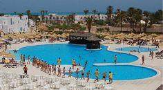 €146 Situé à seulement 10 minutes d'Houmt Souk, le Jerba Sun Club est un complexe hôtelier tout compris avec un accès direct à une plage privée.
