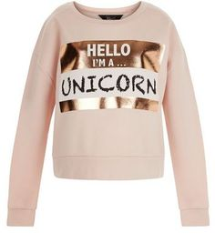 Teens. Give laid back looks some character with this unicorn print foil design.- 'Hello I'm a Unicorn' print- Foil finish panel- Rounded neckline- Simple long sleeves- Casual fit that is true to size