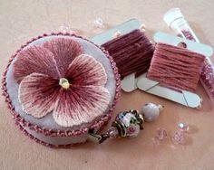 Милые сердцу штучки: Нарядные чехлы для швейной рулетки (сантиметра)