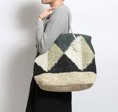 Laugoa raffia crochet bag