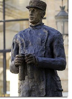De Gaulle ... Vu par Ousmane Sow . Ousmane Sow, Dream L, Gaulle, Alberto Giacometti, African Artists, Art Sculptures, Figurative, Clay, French