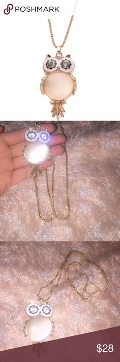 ✨Golden owl necklace ✨ ✨perfect chain size  ✨very light weight  ✨new and in package perfect for a gift ☺️ ✨very cute  Offers are always welcomed Nasty Gal Jewelry Necklaces