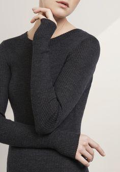 vestido de malha feita de lã merino orgânico puro