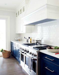donkerblauwe keukenkastjes