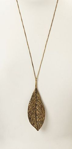 Gold Leaf Pendant Necklace