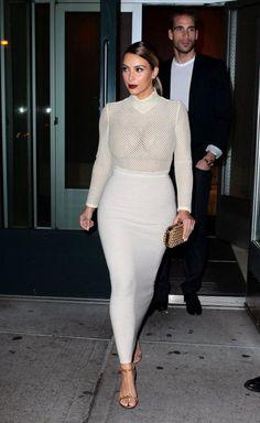 Kim Kardashian Bodysuit - Wearing a white Veronique Leroy mesh bodysuit and a tight maxi skirt, Kim Kardashian managed to look oh-so-sexy without showing too much skin. Kardashian Photos, Kardashian Style, Kardashian Jenner, Kourtney Kardashian, Kardashian Fashion, Fashion Week, Look Fashion, Womens Fashion, Sexy Posen