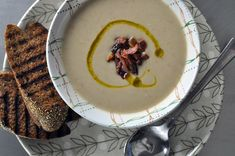 easy bacon and cannellini bean soup