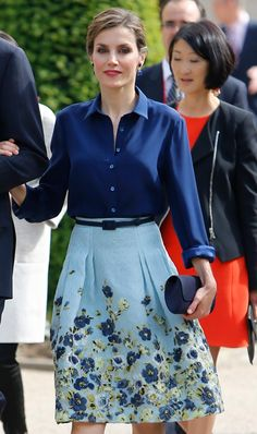 Appropriate Clothes For Work In The Heatwave or Dressing Professionally During The Warmer Months Business Casual Attire Spring Summer Outfits Summer Spring Fashion Office Fashion, Work Fashion, Modest Fashion, Fashion Outfits, Womens Fashion, Fashion Clothes, Fashion News, Skirt Outfits, Dress Skirt