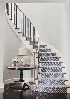 staircase - Markham Roberts Carpet selection for stairs. This staircase – Markham Roberts Carpet selection for stairs. This staircase - Markham Roberts Carpet selection for stairs. This staircase – Markham Roberts Carpet selection for stairs. Fireplace Remodel, Staircase Railings, Staircase Design, New Staircase, Home Decor, Curved Fireplace, Stair Runner, Stairs, Stairways