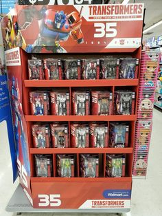 New Anniversary Siege Figures Showcased in New Displays at Walmarts in the US Lego Transformers, Transformers Action Figures, Scary Boy Costumes, Optimus Prime Toy, Birthday Wishes, 10 Birthday, 35th Anniversary, Power Rangers, Legos