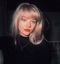 Image about girl in + by sky on We Heart It Hairstyles With Bangs, Cool Hairstyles, Grunge Hair, Tips Belleza, Cornrows, Pretty Face, Dream Hair, Hair Inspo, Hair Goals