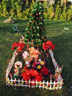 Momas Christmas Tree With Solar Lights Grave Stuff