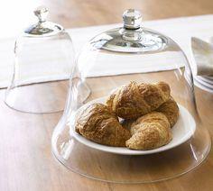 cloche alimentaire en verre, visibilité sur l'aliment, empêcher que l'air dégrade les croissants ici