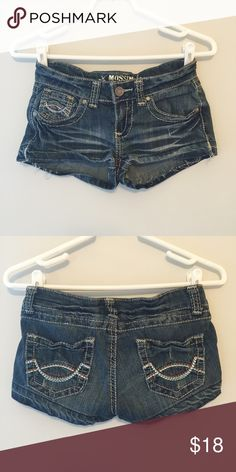 Mossimo Jean Shorts About 1 1/2 inch inseam // A dark wash that is very flattering with cute back pocket detailing. // worn just a few times // no holes, imperfections or stains // comes from smoke free environment 📦Bundles welcome 👌🏻Offers welcome ❌NO trades, please. ⚡️Same/Next day shipping Mossimo Supply Co. Shorts