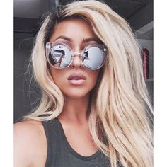 ⍟ριитєяєѕт⍟ : ↠ Messy hair, full lips, and lovely thoughts ↞