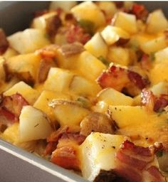 baked potato and chicken casserole (quick baked potato) Quick Baked Potato, Baked Potato Chicken Casserole, Loaded Chicken And Potatoes, Loaded Potato, Baked Chicken, Easy Casserole Recipes, Bacon Recipes, Potato Recipes, Cooking Recipes