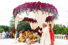 Indian wedding ceremony http://www.maharaniweddings.com/gallery/photo/111735 @ElegantAffairs1 @tumhihoevents