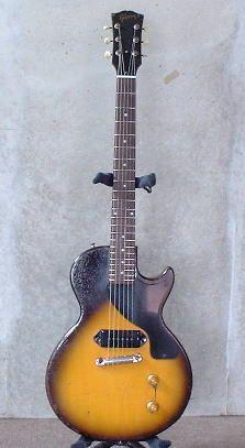 57年製LPjr特集 i have no clue what the hell this is. Gibson Les Paul Tribute, Gibson Les Paul Jr, Gretsch, Gibson Lp, Gibson Guitars, Vintage Electric Guitars, Vintage Guitars, Fender Squire, Electric Guitars