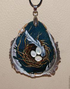 """Купить кулон """"Начало"""" - комбинированный, гнездышко, гнездо, яички, перышки, перышко, агат, перламутр натуральный"""