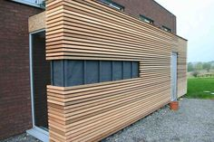 detail-cladding-openwork-pin-of-the-landes-pictures-to-p . House Cladding, Timber Cladding, Exterior Cladding, Wood Architecture, Architecture Details, Wooden Facade, House Extensions, Outdoor Walls, House Ideas