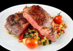 Steak auf Gemüsebett