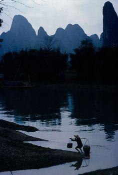 © Bruno Barbey/Magnum Photos CHINA. Sichuan province. 1980. A village, near Chengdu.