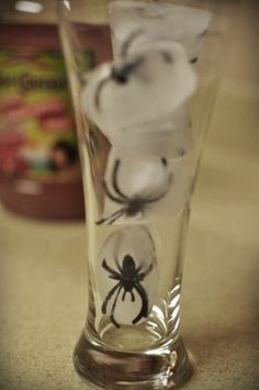 Spider Ice Cubes..CUTE!