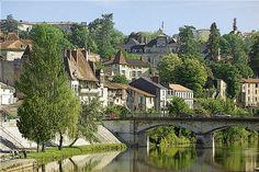 Periguex, South of France http://www.villaindordogne.com/images/perigueux-berges-de-l-isle.jpg