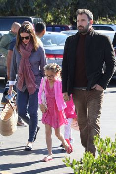 Family Farmer's Market: Jennifer Garner and Ben Affleck took their girls to the farmer's market in LA on Sunday.