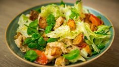 Kyllingsalat Looks Yummy, Lettuce, Squash, Potato Salad, Food And Drink, Chicken, Vegetables, Cooking, Ethnic Recipes