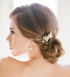 esküvői+fejdíszek,+hajékszerek+-+gyöngy+esküvői+hajtű