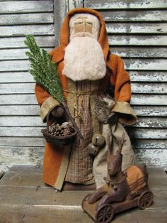OLde Fall Santa by Folk Artist Sue Corlett. Follow me on Facebook for info on my Sunday updates!