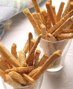Sajtos-oregánós rúd - Stahl.hu Onion Rings, Rum, Bacon, Food And Drink, Pizza, Snacks, Meat, Breakfast, Ethnic Recipes