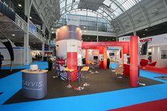 An innovative stand design for Savvis at Cloud Expo Europe 2013. This design featured a central curved stand which had a lockable storage area inside for the Savvis employees, as well as integrated product showcases and 5 plasma televisions. Our favourite part was the inside-lit endcaps on the two curved walls, which we think looked fantastic!