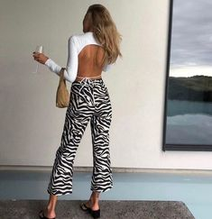 Nakedvice is a boutique fashion label that specialises in accessories including, handbags, womens boots, belts and wallets. Look Fashion, Fashion Outfits, Womens Fashion, Fashion Trends, Girl Fashion, Style Casual, My Style, Summer Outfits, Cute Outfits