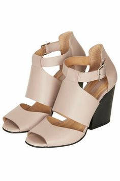 GINA Wide Heel Shoes