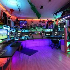 Aviator Gaming: Best store for digital games Gaming Desk Setup, Computer Gaming Room, Best Gaming Setup, Gamer Setup, Computer Setup, Computer Diy, Gaming Rooms, Ultimate Gaming Setup, Pc Setup