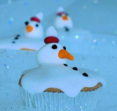Love this! From: 41 Cutest and Most Creative Christmas Cupcakes