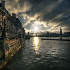 looking up river -The Thames