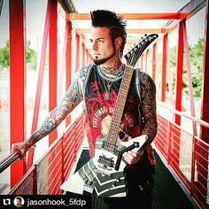 JASON HOOK ❤❤❤ Guitarists are perfect men!