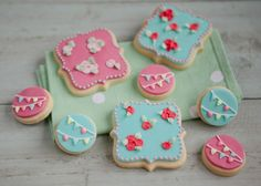 Examples of our piped and iced handmade biscuits and cookies | Honeywell Bakes