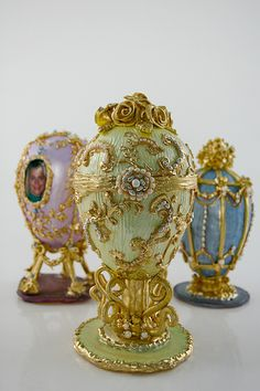 Faberge Egg Cake Toppers by Cake Coquette Fancy Cakes, Crazy Cakes, Mini Cakes, Gorgeous Cakes, Amazing Cakes, Fabrege Eggs, Egg Cake, Russian Art, Fairies