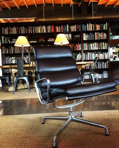Soft Pad Group Eames #comfort #style #interiordesign #theonlychair #m3officeinc #losangeles