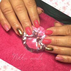 Nikka nails, summer nails, gold foil, pink nails