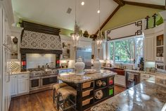 Loving everything about this custom kitchen!