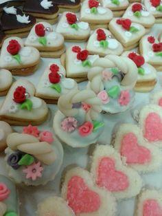 Výsledek obrázku pro svatební cukroví Desserts, Food, Tailgate Desserts, Deserts, Essen, Dessert, Yemek, Food Deserts, Meals
