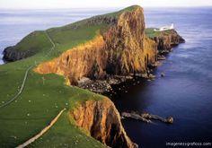 Skye Island - archipelago of the Hebrides, Scotland - http://destinations-for-travelers.blogspot.com/2013/01/ilha-skye-arquipelago-das-hebridas.html